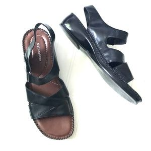 Naturalizer black sandals size 9 1/2